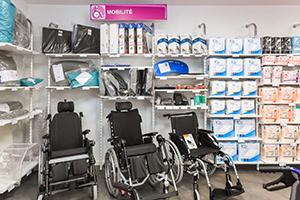 fauteuil roulant gamme Bastide dans la boutique de Grasse